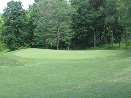 A view of the 3rd green at Deertrak Golf Club