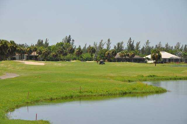 A view of the 2nd fairway at Queen from Cape Royal Golf Club