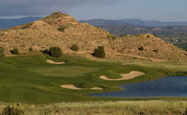 A view of the 15th green at Black Mesa Golf Club