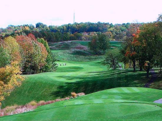 A fall view from a tee at Deer Ridge Golf Club