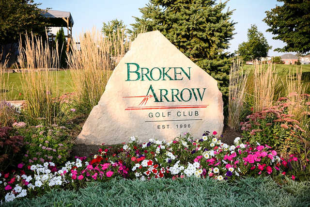 A view of the Broken Arrow Golf Club sign