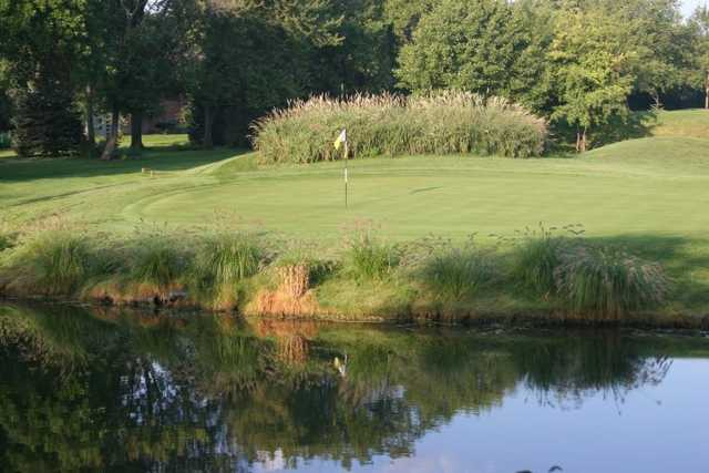 A view of a green at Flag Creek Golf Course