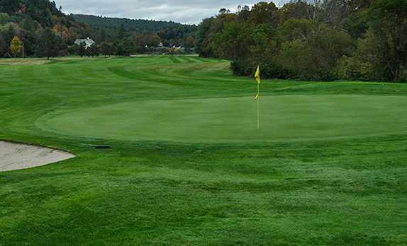 A view of the 11th green at Montague Golf Club (Jessica Poljacik)
