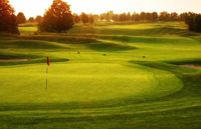 A view of a green at Calerin Golf Course