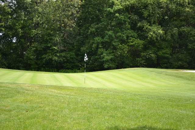 A view of the 2nd green at Clearbrook Golf Club