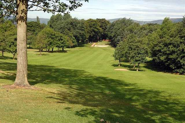 Shandon Park Golf Club is only a 15-minute drive from the center of Belfast.