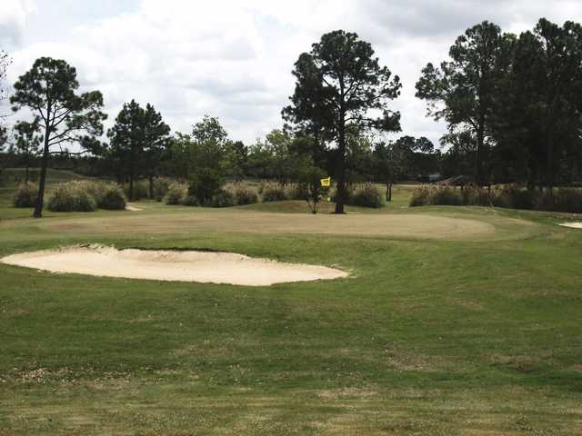 A view of a hole protected by bunkers at Brentwood Country Club