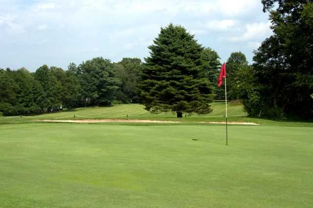 A view of hole #9 at Pehquenakonck Country Club