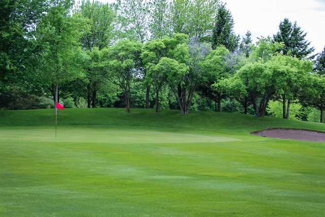 A view of a green at Eagle Trace Golf Course