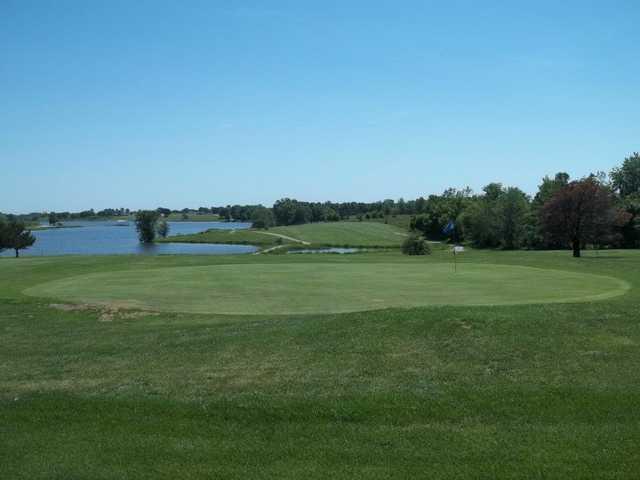 View of a green at Lake View Golf Club
