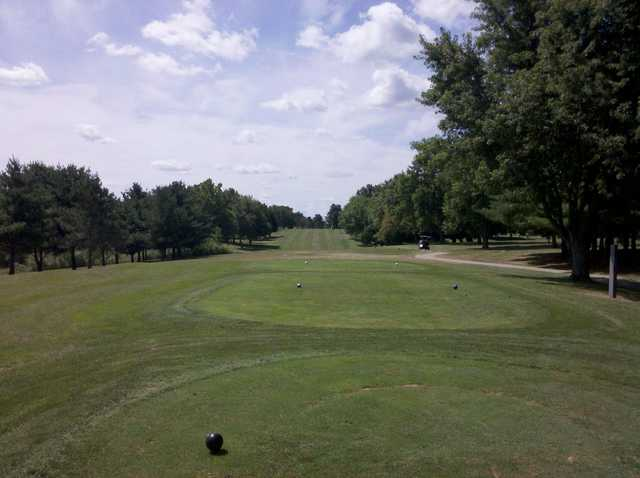 A view from tee #7 at Kewanee Dunes