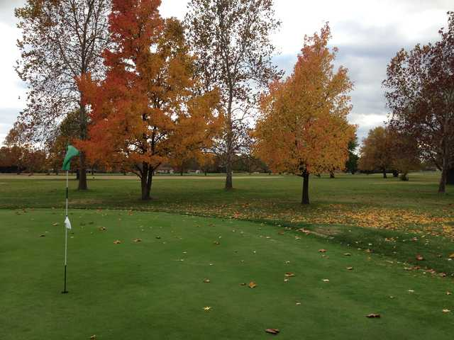 A fall view of a hole at Bolivar Golf Club