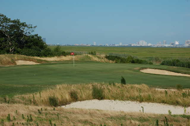 A view of the 4th green at Atlantic City Country Club