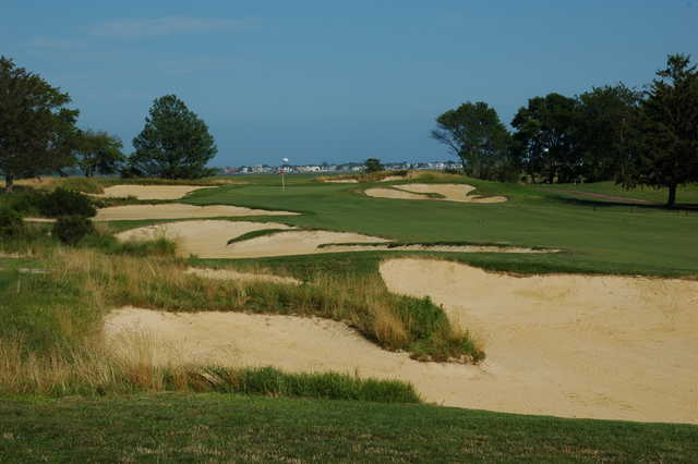 A view of hole #3 protected by a collection of sand traps at Atlantic City Country Club
