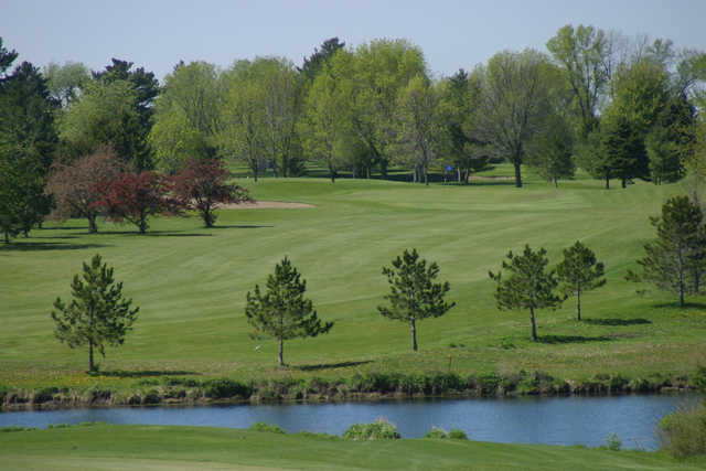 A view of the 12th fairway at Kewanee Dunes