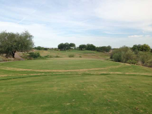 A view from a tee at Aguila Golf Course (Swingbyswing)