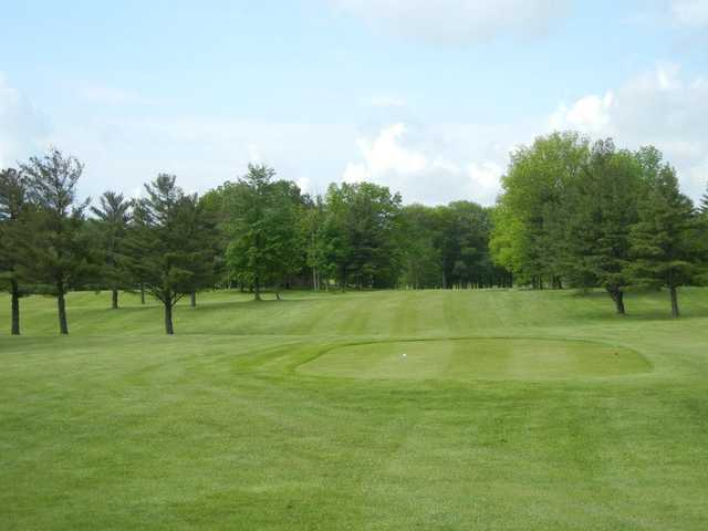 A view of a tee at Hemlock Springs Golf Club