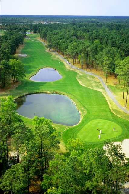 Waterway Hills Golf Club: It's two water clears for the price of one at Waterway Hills Oaks No. 6.