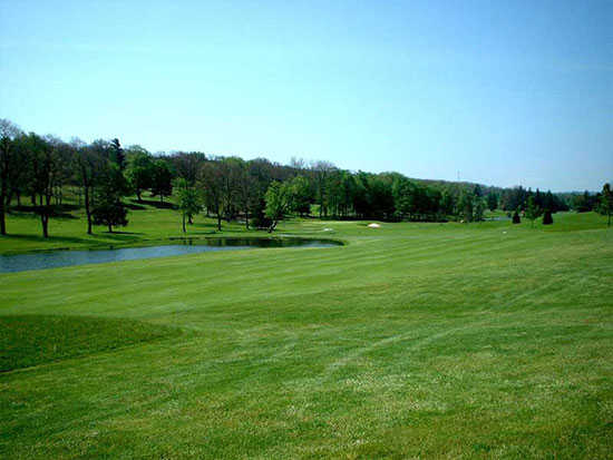 A warm sunny day view from Oakland Golf Club