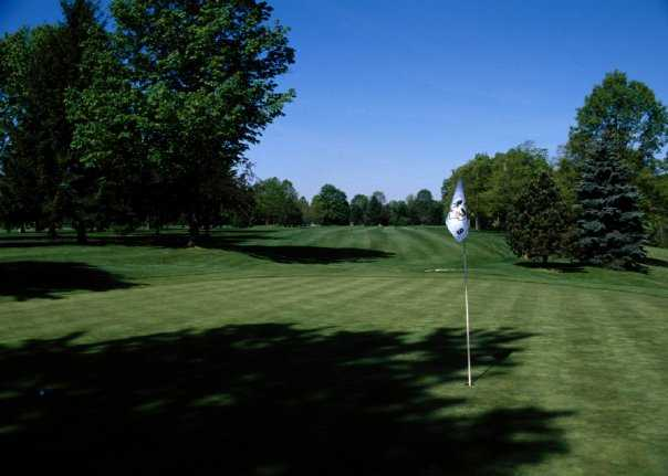 A view of the 9th hole at Tannenhauf Golf Club