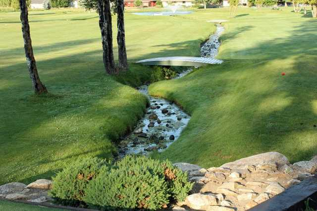 A view of a tee at Ponderosa Springs Golf Course