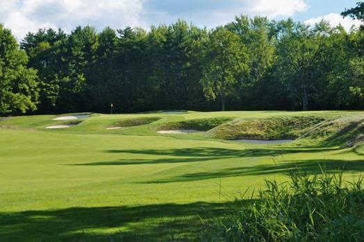 A view from a fairway at Beckett Golf Club (Golfinstructiontipsfree)