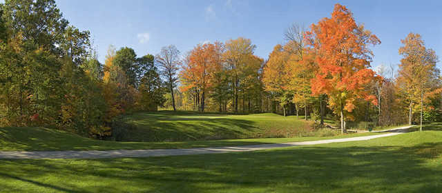 A view of the 11th green at Hawk Ridge GCC - Meadow Nest Course
