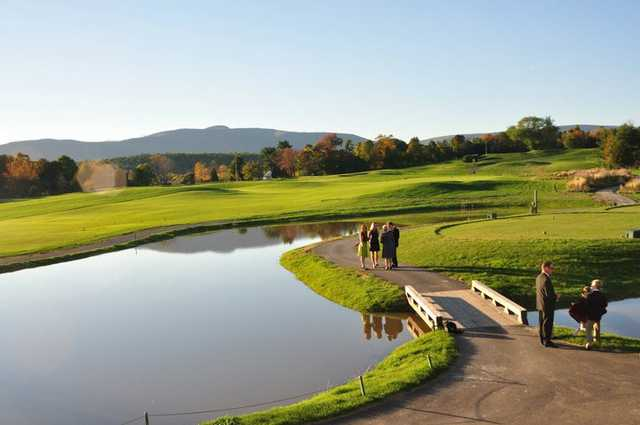 A view of a tee at Lazy Swan Golf & Country Club