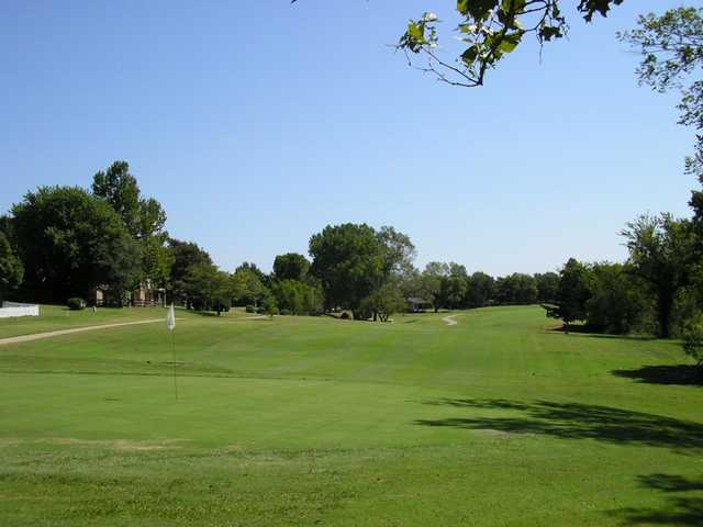 A view of a green at Surrey Hills Country Club (Thegilleygroup)