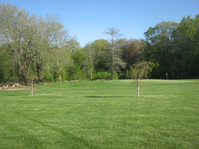 A view of the 4th green at Wood River Golf Course