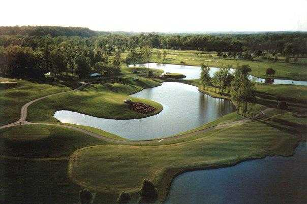 Aerial view of the 18th green at General's Retreat from Hermitage Golf Course