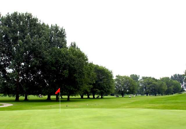 A view of a green at Annandale Golf and Country Club (Peterssteelhorse)