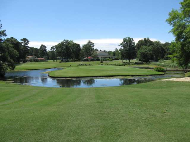 A view of the 5th green at Island Green Golf Club