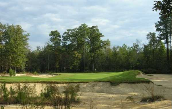 View of the 3th green at Tobacco Road Golf Club