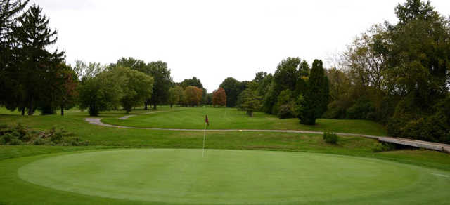 A view of the 18th green at Willow Creek Golf Club