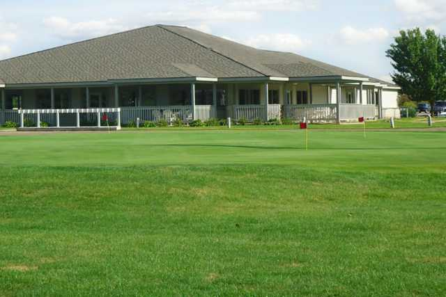 A view of the practice putting green at Whiteford Valley Golf Club
