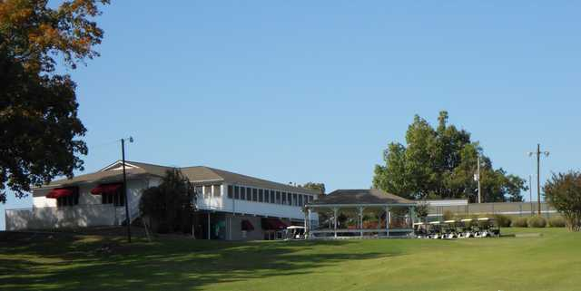 A view of the clubhouse at Calvert City Golf & Country Club
