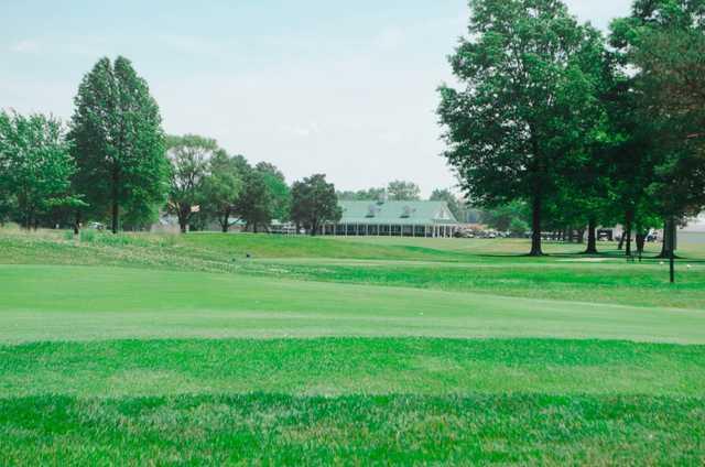 A view of a tee at Dragon Ranch Golf Club