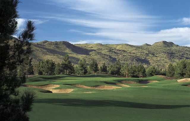 A view of the 5th green at Raven Golf Club - Phoenix