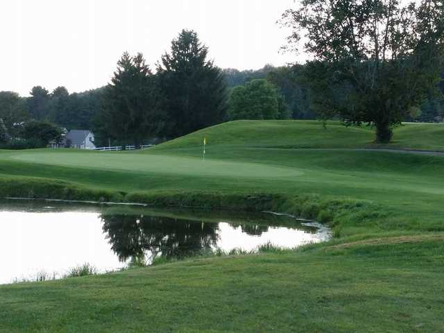 A view of the 18th green at Green Valley Golf Club