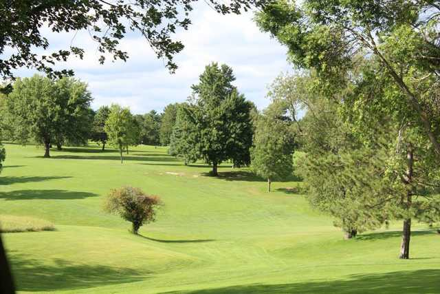 A sunny day view from Skyline Golf Course