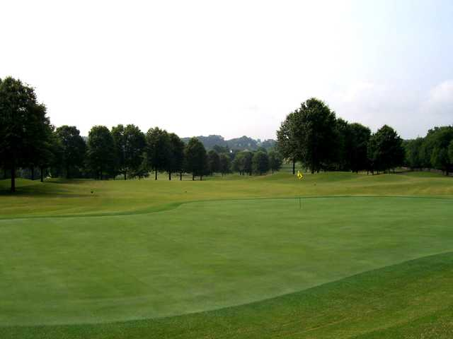 A view of a green at Willow Creek Golf Club