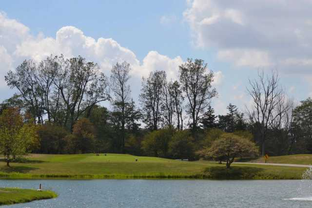 A view of a tee at Hawthorne Hills Golf Course