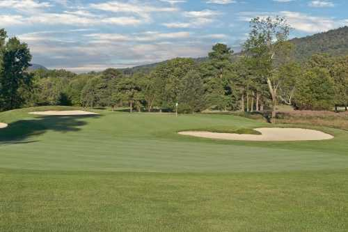 A view of the 2nd hole protected by bunkers at Blue Ridge Country Club