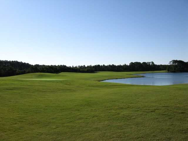 A view of the 18th fairway at Trident Lakes Golf Club (GolfDigest)