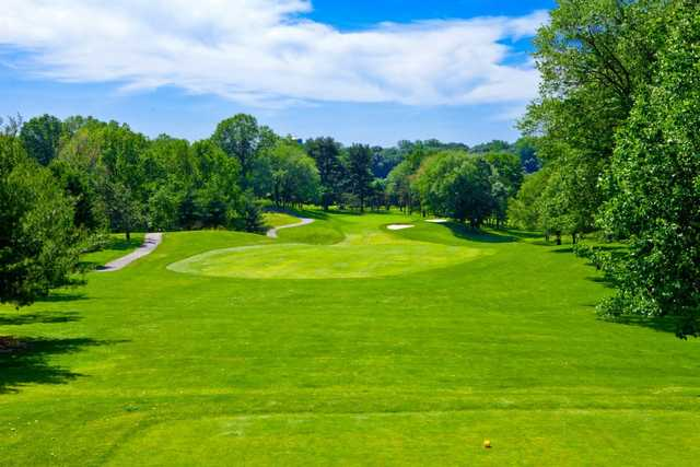 A view from a tee at Galloping Hill Golf Course (James N. Lum)