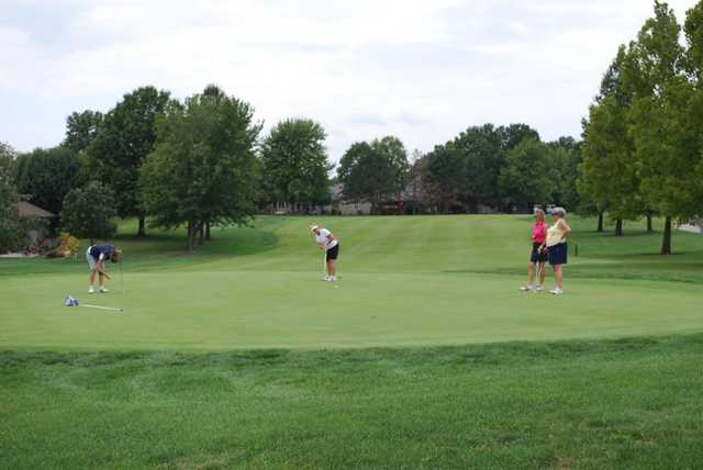 A view of a green at Lakewood Oaks Country Club.