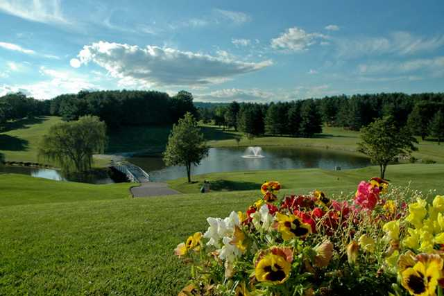 A sunny day view from Lexington Golf & Country Club