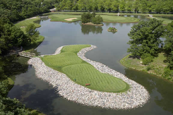 Aerial view from Cantigny Golf