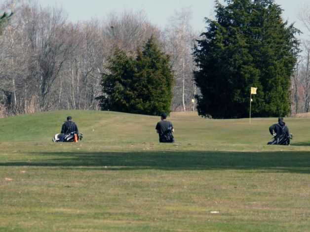A view of a green at Carl Dickman Par-3 Golf Course (Genevieve Reilly)